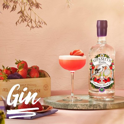 Introducing Sipsmith Strawberry Smash Gin. The ball is in your court!
